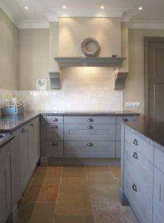 Cottage | Kitchen | Tiles | Pale Grey | Chelsea blauw schouw