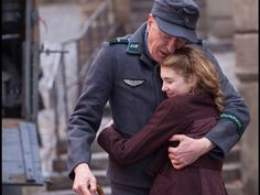 The Book Thief leaps to the big screen, based on the bestselling novel by Markus Zusak. Geoffrey Rush may star, but our The Book Thief. New Movies, Good Movies, Movies And Tv Shows, Cult Movies, Watch Movies, Alfred Hitchcock, Best Children Books, Childrens Books, Sophie Nélisse