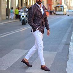 Dapper @tufanir | white pants idea ✨ [ www.RoyalFashionist.com ]
