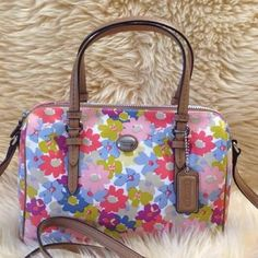 Gaining The Opportunity To Obtain #Coach #Purse Are on Sale in Our Online Store