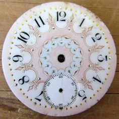 Gracie's Cottage-seriously in love with this beautiful vintage clock face!
