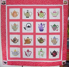 tea pots on a quilt! two of my favorite things!