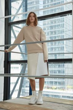 Maxwell Osborne and Dao-Yi Chow Layer Streetwear on DKNY 2017 Resort Collection Big Fashion, Fashion Books, Fashion Week, Fashion 2017, World Of Fashion, Runway Fashion, Fashion Brands, Fashion Show, Fashion Design