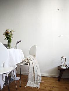 ruokapöytä, kukkakimppu, oma koti Lily, Homes, Interiors, Houses, Orchids, Home, Decoration Home, Decor, Lilies