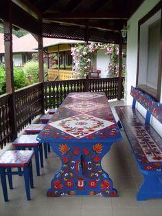 novak15 Entryway Furniture, Garden Furniture, Diy Furniture, Colorful Furniture, Painted Furniture, Folklore, Casas Shabby Chic, Swedish Decor, World Photo
