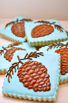 Charmingly elegant Pine Cone Christmas Cookies. #cookies #decorated #food #baking #dessert #cute #Christmas #pine_cone #winter
