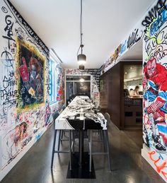 Flos AIM pendants illuminate graffiti & gastronomy at new EAT restaurant in W Montreal. Design by Sid Lee Architecture. Photo by Stephane Brugger Restaurant Montreal, Classic Restaurant, Cafe Restaurant, Graffiti Restaurant, Restaurant Concept, Restaurant Offers, Design Commercial, Commercial Interiors, Design Bar Restaurant