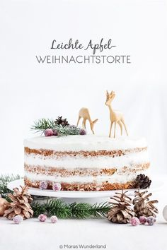 Leichte Apfel-Weihnachtstorte Light apple Christmas cake Get more photo about subject related with b Christmas Desserts, Christmas Baking, Christmas Time, Xmas, Christmas Cakes, No Bake Desserts, Dessert Recipes, Pie Recipes, Dessert Ideas