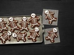 Food Network Kitchen scared up some spooky Halloween treats that kids will love and adults will find delicious like Halloween cupcakes and Halloween snacks. Halloween Desserts, Easy Halloween Snacks, Halloween Party Treats, Halloween Cookies, Spooky Halloween, Halloween Foods, Halloween Dinner, Spooky Treats, Healthy Halloween