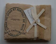 pellavatyyny pitsireunuksella ja printillä, miel (hunaja), 65x65cm