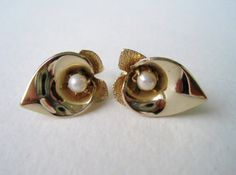Vintage 60s Gold and Pearl Retro Traditonal Earrings by ThePaisleyUnicorn, $5.00