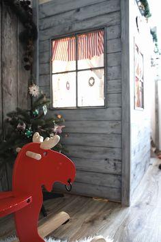 Kids room bed house christmas time