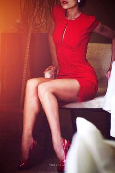 front + peep cutout + cap sleeve+ red + mini dress + red heels
