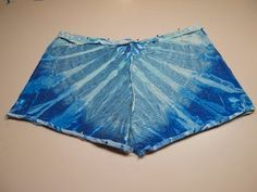 Make a Pair of Comfy Shorts Out of an Old T-shirt : 5 Steps (with Pictures) - Instructables Diy Shorts, Shirt Diy, Diy Tie Dye Shirts, Comfy Shorts, T Shirt Yarn, Braided T Shirts, T Shirt Bracelet, Old Shirts, How To Make Shorts