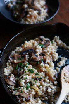 Mushroom Dish, Mushroom Recipes, Pearl Couscous Recipes, Couscous Recipes Israeli, Couscous Ideas, Israeli Recipes, Creamy Mushrooms, Stuffed Mushrooms, Couscous How To Cook