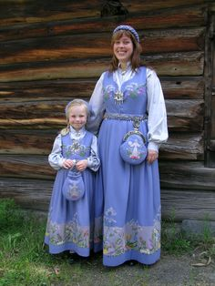 Providing information, photos and general knowledge of Norwegian bunad, festdrakts and folkdrakt. Midnight Sun, Lofoten, Oslo, Traditional Outfits, Norway, Daughter, Culture, Costumes, Folklore