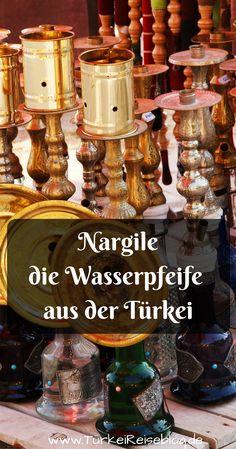 In der Türkei wird die Wasserpfeife nicht Shisha sondern Nargile genannt. Sie unterscheidet sich in ihrer Bauweise geringfügig von der in den arabischen Ländern üblichen Wasserpfeifen. Meine Tipps zum Rauchen und Kaufen einer echten türkischen Nargile findest du im neuen Beitrag: http://www.tuerkeireiseblog.de/nargile/ #Nargile #Türkei #TürkeiReiseblog #Shisha