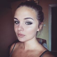 #goodnight #me #contouring #face #makeup #eyes #girl #highlighter #boringday #polishgirl #polskadziewczyna #picture #picoftheday #mattelipstick #love #iger #vsco #woman #myself #different #hi