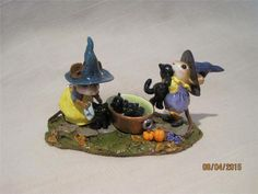 Wee Forest Folk Halloween Limited Edition Kitty Klean-Up - New from 2011