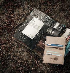 porte carte-cuir-recyclé-design-cadeau-affaire-labrador-chic-lakange-ecologique-bio-affaire