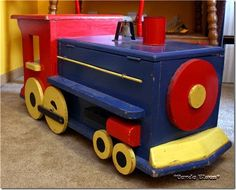 Train Toy Box | Posted by Lisa Nelsen-Woods at 6/15/2014 12:30:00 AM 0comments Links ...
