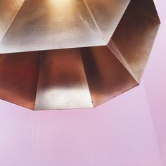 Beehive lamp @bymarcdegroot inspired by the structure of honeycomb #brass #lighting #lamps #100%design #dutchdesign #handcrafted #limitededition #designinspiration #pink #gold #colour #design