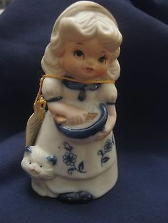Porcelain bell; blue and white;Girl with cat;Royal Majestic Jasco 1980