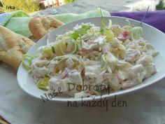 Velmi lehký a jemný salát k masu i jen tak. Salad Recipes, Healthy Recipes, What To Cook, Vegetable Recipes, Potato Salad, Cabbage, Food And Drink, Low Carb, Pizza