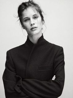 A Feminine Tomboy — Marine Vacth - Vogue Paris Trendy Mood, Portrait Photography, Fashion Photography, Charlotte Rampling, Zooey Deschanel, Foto Pose, Veronica Beard, Twiggy, Alexa Chung