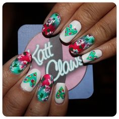 kattclaws:  Small tutorial coming soon for these floral nails....