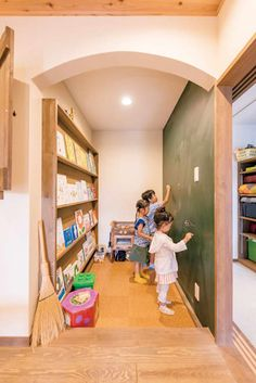 Take a look at our latest collection of interior designs featuring 15 Wonderful Asian Kids' Room Designs You Can Get Ideas From. Japanese Home Design, Japanese House, Preschool Room Layout, Fairytale Room, Kids Indoor Playground, Kids Cafe, Interior Design Presentation, Asian Kids, Modern Kids