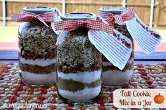 Pumpkin Oatmeal Scotchies JAR GIFTS:  http://www.mommyskitchen.net/2013/10/cookie-mix-in-jar-pumpkin-oatmeal.html#more