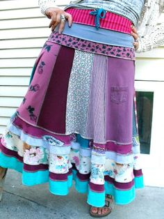 I simply MUST try making a skirt like this (or twenty.)