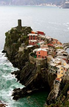 Venezza Cinque Terre - Italy (posted Walks everywhere)