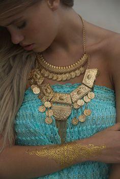 Dress Formentera Miss June Turquoise / Gold Bohemian Gypsy, Gypsy Style, Hippie Chic, Hippie Style, Boho Chic, Bohemian Style, Jewel Tattoo, Gold Tattoo, Rachel Zoe