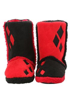 DC Comics Harley Quinn Slipper Boots from Hot Topic. Saved to Pajamas. Shop more products from Hot Topic on Wanelo. Dc Comics, Daddys Lil Monster, Fandom Fashion, Slipper Boots, Joker And Harley Quinn, Womens Slippers, Hot Topic, Me Too Shoes, My Style