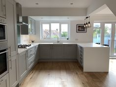 Howdens fairford kitchen this design has to be one of the nearest I would want for my new kitchen yeah 🤩🤩😍😍 Open Plan Kitchen Dining Living, Kitchen Diner Extension, Open Plan Kitchen Diner, Kitchen Family Rooms, Living Room Kitchen, Home Decor Kitchen, Interior Design Kitchen, Interior Livingroom, Kitchen Furniture