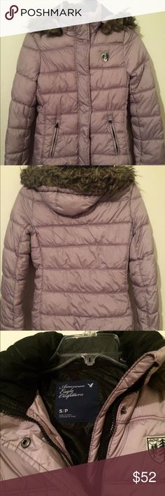 Just In-American Eagle Plum Puffer Jacket Gorgeous American Eagle Puffer Jacket in Pastel Plum-durable, soft lining, rain/ cold flap over buttons, detachable hood with fur, wool sweater cuff liners attached with button hole to attach mittens & gloves, pull cord to tighten bottom & ensure heat & insulation, zippered pockets, bought 1 trip NYC n Dec, no stains, no rips, no wear, has been washed -size S/P nice long sleeves, live in FL or I'd keep American Eagle Outfitters Jackets & Coats…