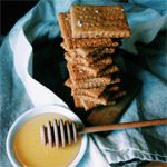 Whole wheat & almond meal (pulp) graham crackers