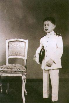 สมเด็จพระบรมโอรสาธิราชฯ สยามมกุฎราชกุมาร ขอทรงพระเจริญยิ่งยืนนาน King Rama 10, King Phumipol, King Of Kings, King Queen, King Thailand, Queen Sirikit, Bhumibol Adulyadej, Who People, Great King