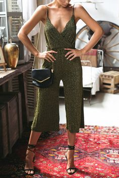 High Waist V-neck Loose Jumpsuit -YOINS