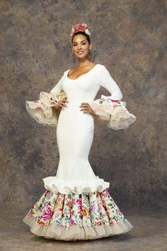 Gala Dresses, Quinceanera Dresses, Formal Dresses, Flamenco Dancers, Flamenco Dresses, Steps Dresses, Spanish Woman, Funky Fashion, Abaya Fashion