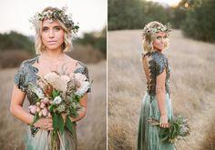 Bohemian woodland wedding inspiration   photo by Laura Goldenberger Photography   100 Layer Cake