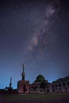 milkyway on mosque - null