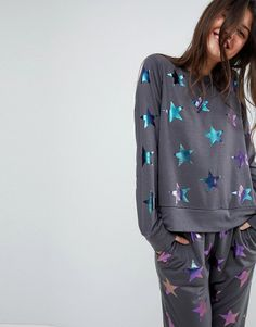 Find the best selection of ASOS LOUNGE Holographic Star Print Sweat & Jogger Set. Shop today with free delivery and returns (Ts&Cs apply) with ASOS! Asos Sweatshirt, Bubble Style, Quirky Fashion, Women's Fashion, Asos Tops, Loungewear Set, Pajamas Women, Ladies Pyjamas, Printed Sweatshirts