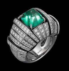 African Influences – High Jewelry Ring Platinum, one 5.19-carat cabochon-cut emerald, onyx, brilliants.
