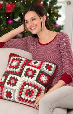 Mod Holiday Granny Pillow Free Crochet Pattern from Red Heart Yarns (UK terms)