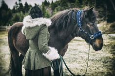 A Closer Look: Claire Fraser's Riding Coat