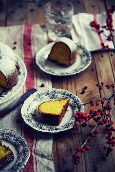 Turmeric bundt cake - null