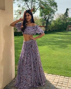 Bollywood Actress Hot Photos, Indian Wedding Outfits, India Beauty, Summer Of Love, Gorgeous Women, Beauty Women, Designer Dresses, Two Piece Skirt Set, Prom Dresses